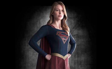 Supergirl k nám pristála v prvom traileri. Ohúrila Supermanova sesternica?