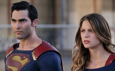 Superman a Supergirl spájajú sily v upútavke pre druhú sériu seriálu o ženskej hrdinke s plášťom