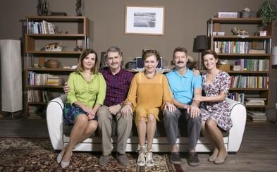 Susedia sa v pôvodnej zostave vrátili na televízne obrazovky po dlhých desiatich rokoch. Ako dokázali obstáť?