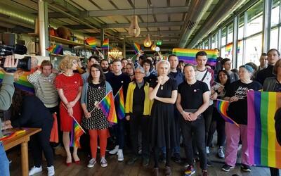Švajčiari v referende súhlasili, aby sa podnecovanie nenávisti a diskriminácia LGBTI osôb stala trestným činom