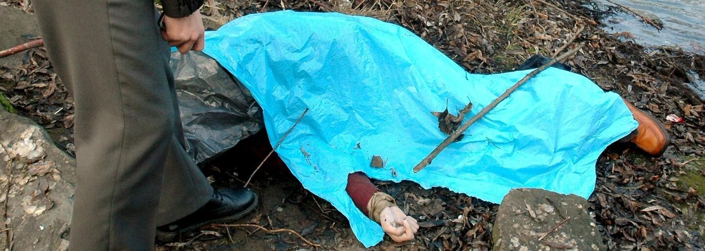 Své kamarády brutálně zavraždil a jejich těla naservíroval prasatům. Toto je šest bestiálních českých vrahů