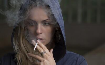 Švédsko chce byť do roku 2025 krajinou bez fajčiarov. Rozšírilo zákaz fajčenia na verejnosti