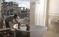 Svět je plný děsivých kontrastů. Zatímco někde zuří válka, jinde kvete konzumní společnost