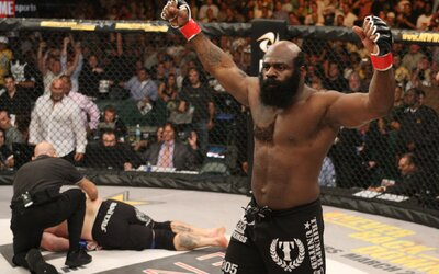 Svet stratil ďalšie veľké meno bojových športov. Populárny MMA bojovník Kimbo Slice odišiel ako 42-ročný
