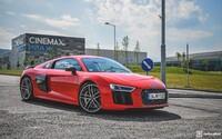 Svezli jsme se ve sportovních modelech Audi RS Q3, TTS a R8 V10. Jaké jsou naživo? (První dojmy)
