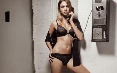 Svůdná Cara Delevingne ukazuje své ladné křivky v kampani na spodní prádlo
