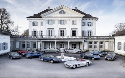 Švýcarský zámek ukrýval zapomenuté bohatství. V jeho útrobách našli 12 automobilových klenotů s obrovskou hodnotou