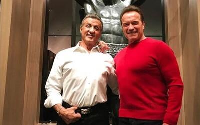 Sylvester Stallone se na Vánoce dočkal návštěvy od Arnolda Schwarzeneggera a fanouškové jsou nadšení. Dvě legendy si i zavzpomínaly