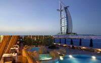 Symbol luxusu a moderní Dubaje. Prohlédněte si virtuálně hotel Burj Al Arab díky spolupráci s Googlem