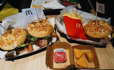 Syrová sezóna v McDonald's neprekvapila, zaskočila však vianočná Coca-Cola (Test)