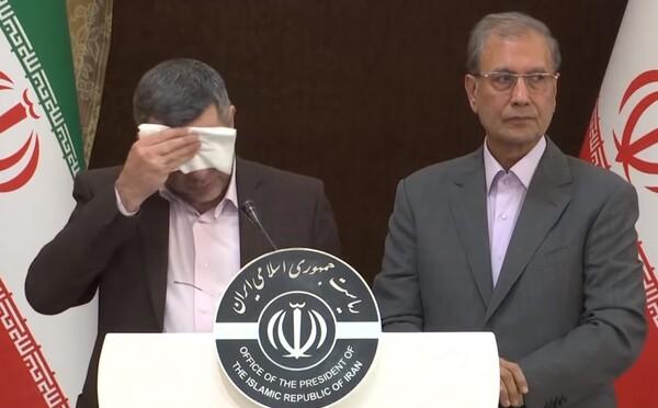 Tajemník íránského ministra zdravotnictví je nakažen koronavirem Covid-19. Už na tiskové konferenci vypadal zle