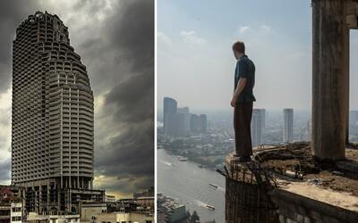 Tajomná opustená budova v centre Bangkoku. Obesil sa v nej už jeden Švéd, ale ľudí láka aj napriek hroziacemu nebezpečenstvu