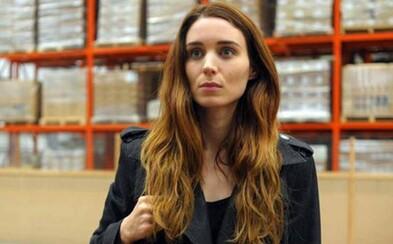 Tajomná Rooney Mara prichádza konfrontovať starého známeho s ich spoločnou temnou minulosťou v traileri psychologického thrilleru Una
