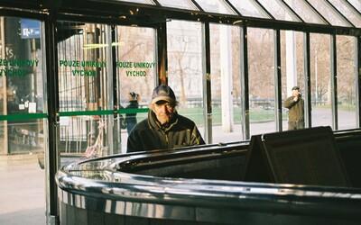 Takhle přežívají zimu pražští bezdomovci: Příběhy lidí, kteří nemají kam jít
