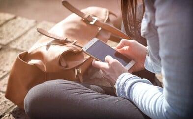 Téměř 70 procent mladých lidí se vyhýbá osobnímu setkání, protože si raději povídají přes internet