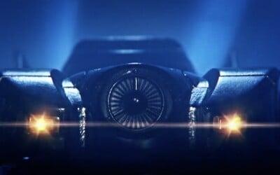 Takmer dokonalá replika Batmobilu ako obal na iPhone