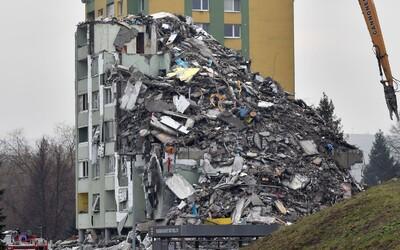 Takto ve středu vypadalo místo tragického neštěstí v Prešově, kde explodoval plyn: Panelák je skoro celý srovnán se zemí