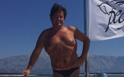 Takto vyzerá Marian Kočner v plavkách na miliónovej jachte, ktorú mu štát so zvyškom majetku nezaistil