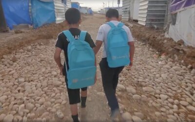 Takto vyzerá pre niektoré deti cesta do školy. Pozri si video a zisti, čo škola dáva deťom žijúcim v konfliktoch