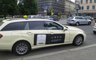 Talianski taxikári zatočili so službou Uber. Kvôli čerstvému zákazu nemôže fungovať v celej krajine