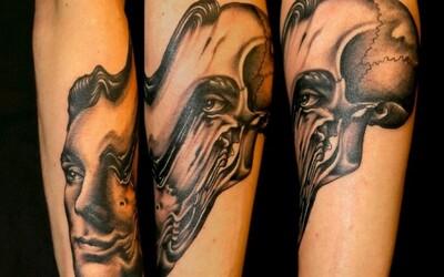Taliansky tatér svojou tvorbou dokazuje, že surrealizmus a tetovania idú dokopy