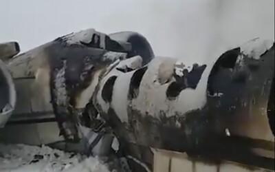 Tálibán tvrdí, že sestřelil letadlo v Afghánistánu, na palubě měli být američtí vojáci