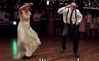 Tanec nevesty s otcom posunutý na novú úroveň. Dôsledne premyslená choreografia prekvapila všetkých zúčastnených