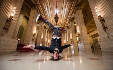 Tanečné predstavenie Red Bull Flying Bach  ti dokáže, že Bach a breakdance idú dokopy