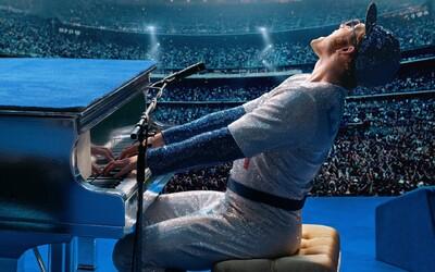 Taron Egerton se mění na mezinárodní superstar v traileru hudební biografie o Eltonu Johnovi