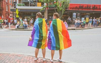 Tasmánia chce odstrániť informácie o pohlaví z rodného listu. Feministky sa proti novému návrhu búria