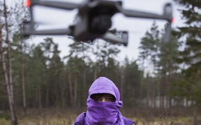 Tato technika točí klipy Yzomandiase, Nik Tenda i Hasana. Jak létající kamerky změnily úhel pohledu na české rapové videoklipy?
