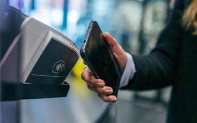 Tatra banka konečne spúšťa platby mobilom cez Google Pay. Služba je na Slovensku už dva roky