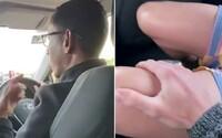 Taxikár vyhodil homosexuálny pár, lebo si položili ruky na kolená. V mojom aute platia moje pravidlá, vysvetľoval