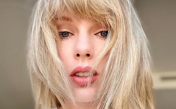 Taylor Swift držala hladovku, keď sa videla na fotkách. Otvorene hovorí o problémoch s príjmom potravy