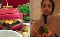 Teenagerka do Libye propašovala populární světový trend. Začala vyrábět barevné burgery, lidé je milují