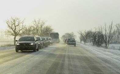Téměř pro celé Česko platí výstraha před námrazou. Očekává se i místy silné sněžení