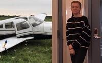 Teprve 17leté pilotce v zácviku při letu odpadl kus podvozku. Přistání se tak změnilo v zatěžkávající zkoušku