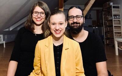 Tereza Těžká o polyamorii: Dělá mi radost, když vidím že Honza s Áňou leží na gauči, koukají na film a sbližují se (Rozhovor)