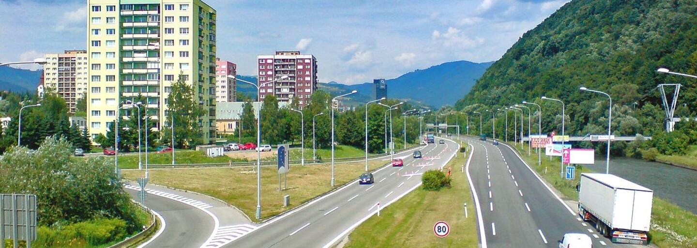 TERMINAL VLAK BUS SHOPPING. Názov stanice v Banskej Bystrici zabáva Slovensko svojou lingvistickou kombináciou