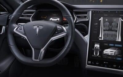 Tesla expanduje do Česka. Miestni majitelia elektromobilov dostanú servis v ich krajine