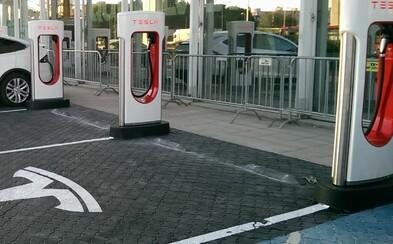 Tesla otvorila druhú rýchlonabíjačku u nás. Vieme, kde presne nájdete nový Supercharger v Bratislave