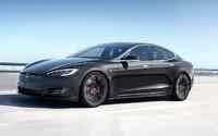 Tesla pracuje na facelifte Modelu S, ktorý má zaručiť dojazd vyše 640 kilometrov