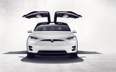 Tesla představila svůj nejdokonalejší výtvor. Model X má 7 míst, 762 koní a stovku zvládne za 3,2 sekundy