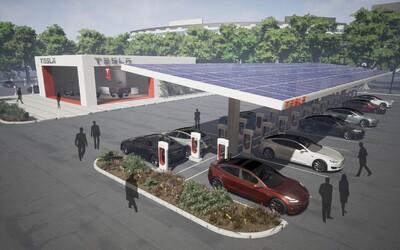 Tesla pripojí svoje nabíjačky k solárnym panelom. Elektromobily tak budú jazdiť vďaka zelenej energii