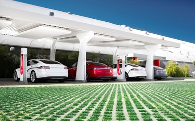 Tesla ruší bezplatné nabíjení v síti Superchargerů. Překvapuje to vůbec někoho?