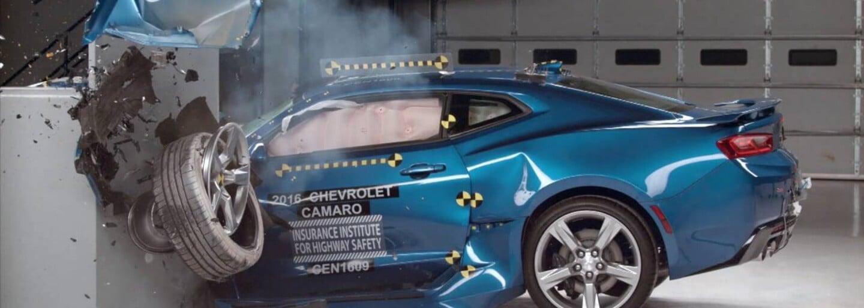 Tesla vo videu ukazuje, ako sa Model X nedá prevrátiť na strechu. Ide vraj o najbezpečnejšie SUV
