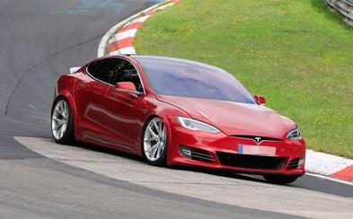 Tesla prý porazila Porsche Taycan na Nürburgringu, Musk zatím raději mlčí. Toto je důvod