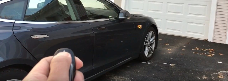 Tesla vypúšťa aktualizáciu, po ktorej si Model S sám bez vodiča otvorí bránu a zaparkuje!
