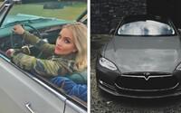 Tesly vraždí kočky, zlobí se americká herečka. Elona Muska a jeho auta viní ze smrti jejích mazlíčků