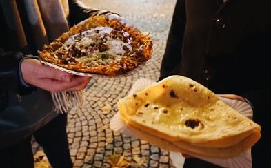 Testovali sme jedlo na Vianočných trhoch v Bratislave. Ktorý stánok odporúča foodbloger Čoje a kde majú najlepšiu cigánsku?